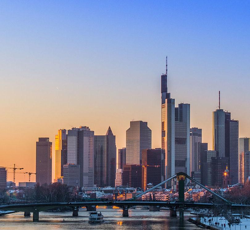 Durchgefallen: Wie die 20 größten deutschen Unternehmen beim Menschenrechtsschutz abschneiden